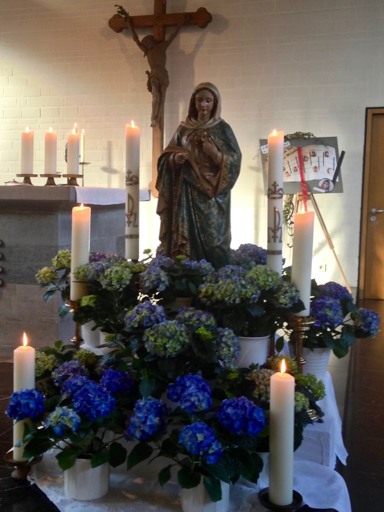 "Marienaltar in der Pfarrkirche ""St. Michael"""